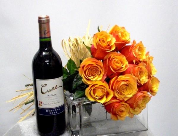Bouquet de 12 Rosas con vino de reserva