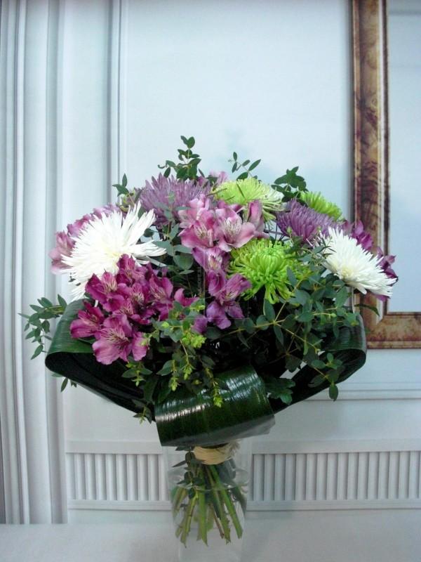 Flor variada con Asltroemeria y Anastasia