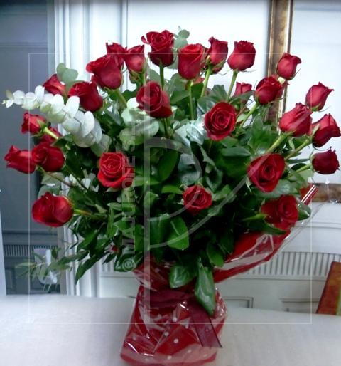 Jarrón con 40 Rosas