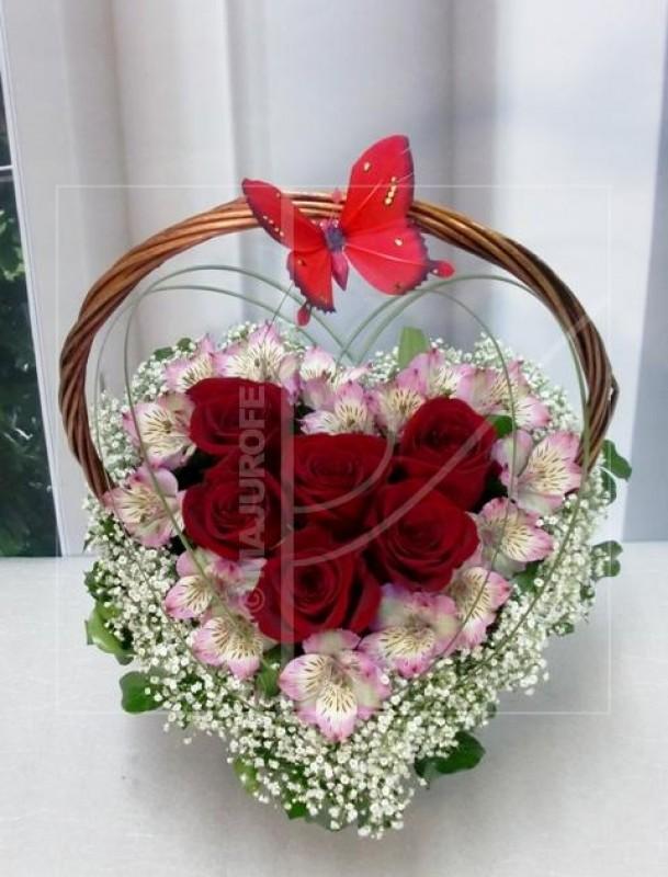 Corazón de Flores en cesta