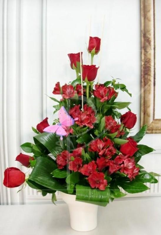 Rosas y Alstroemeria