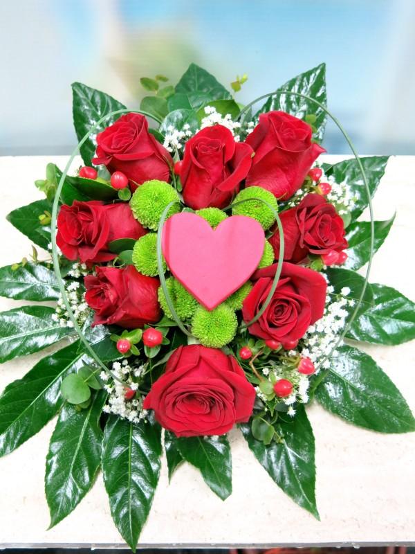 Corazón de 8 Rosas