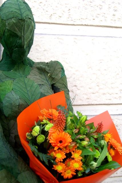 Ramo de flores en tonos Naranja. Bouquet. - Foto principal