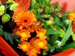 Ramo de flores en tonos Naranja. Bouquet. - Foto 2