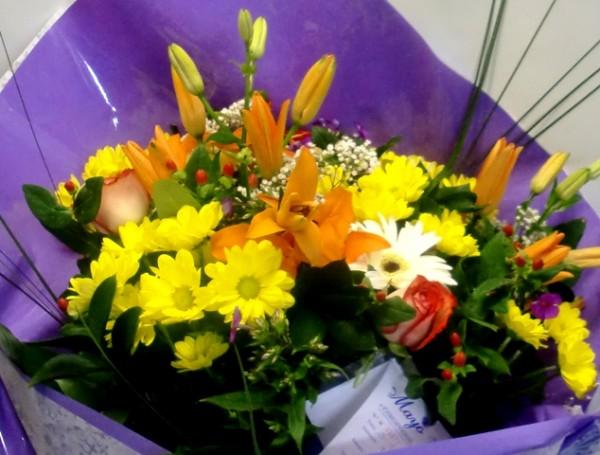 Ramo de Flor Variada para regalar - Foto 2