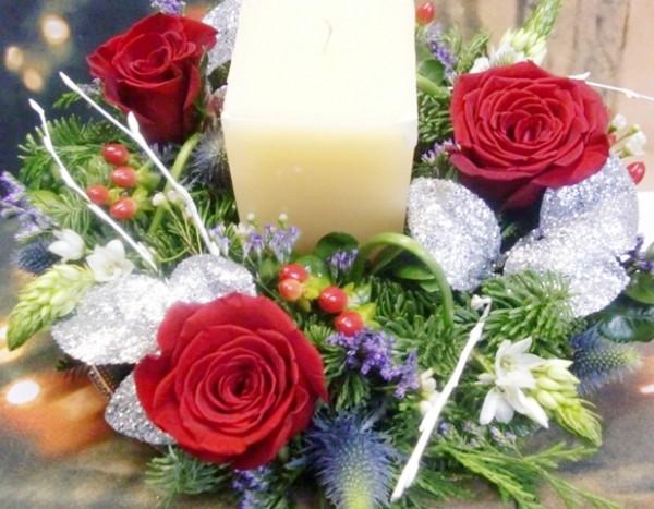 Centro de Navidad con Rosas y velón - Foto 2