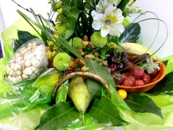 Cesta de Fruta y flores - Foto 2