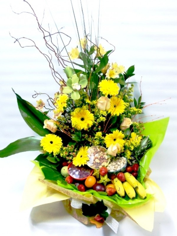 Cesta de frutas y Gran Variedad de Flor - Foto principal