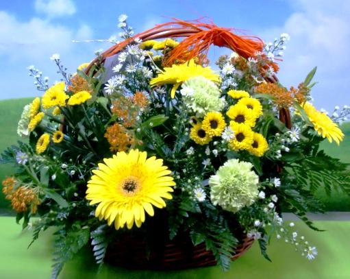 En amarillo. Cesta de Flor variada - Foto 3