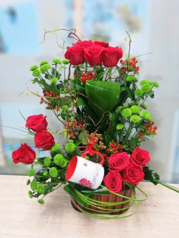 Precioso centro de Doce rosas con Jarra Mayoflor - Foto 3