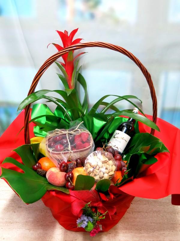 Cesta de frutas con Vino - Foto principal