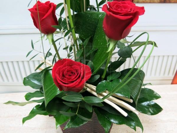 6 Rosas en Cesta - Foto 2