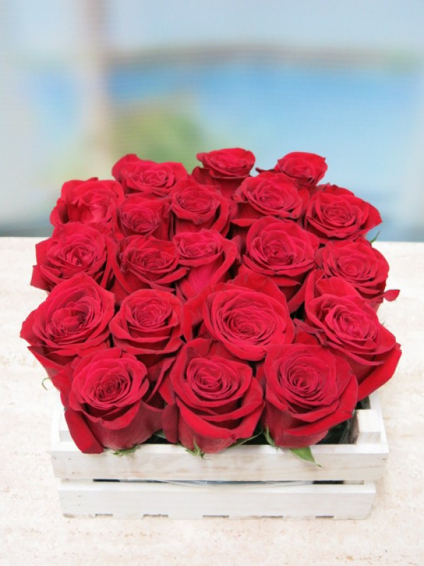20 rosas en caja de madera - Foto principal