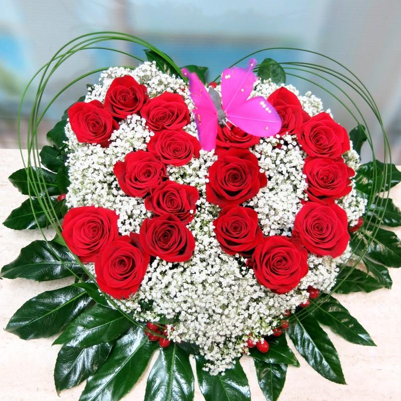 Centro de flores en forma de corazón - Foto 3