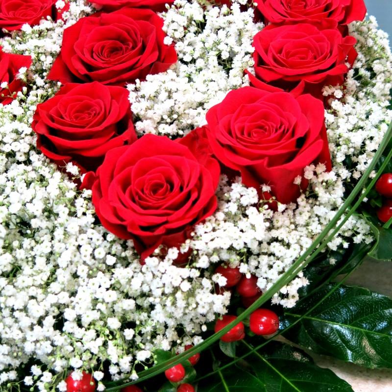 Centro de flores en forma de corazón - Foto 4
