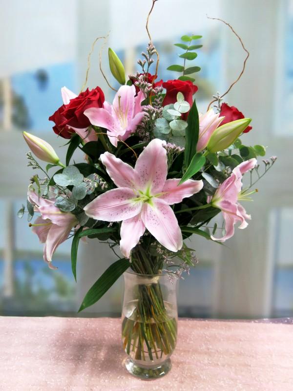 La Pareja Ideal: Lilium y Rosas