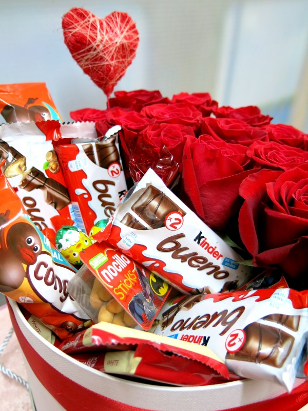 Roses and Chocolates in a box - Foto 3