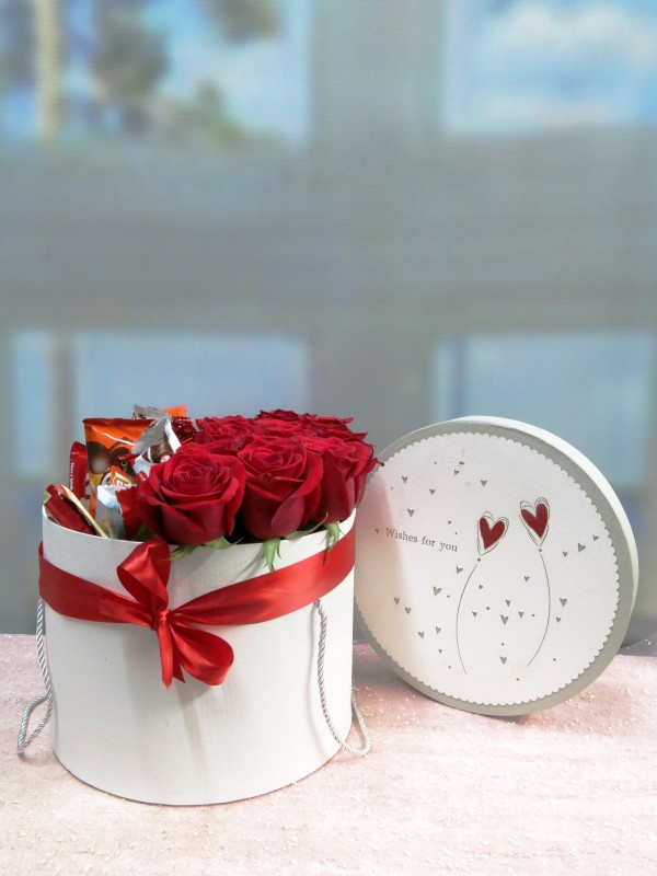 Roses and Chocolates in a box - Foto 5