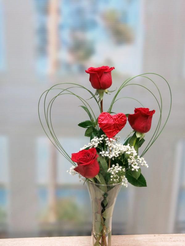 Tres Rosas y tu Corazón - Foto 2