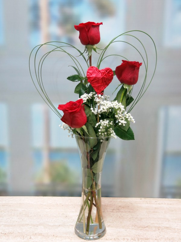 Tres Rosas y tu Corazón