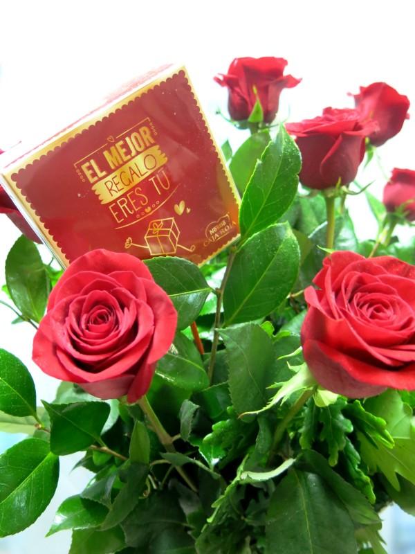 12 Rosas de tallo largo con Bombones de Regalo. - Foto 2