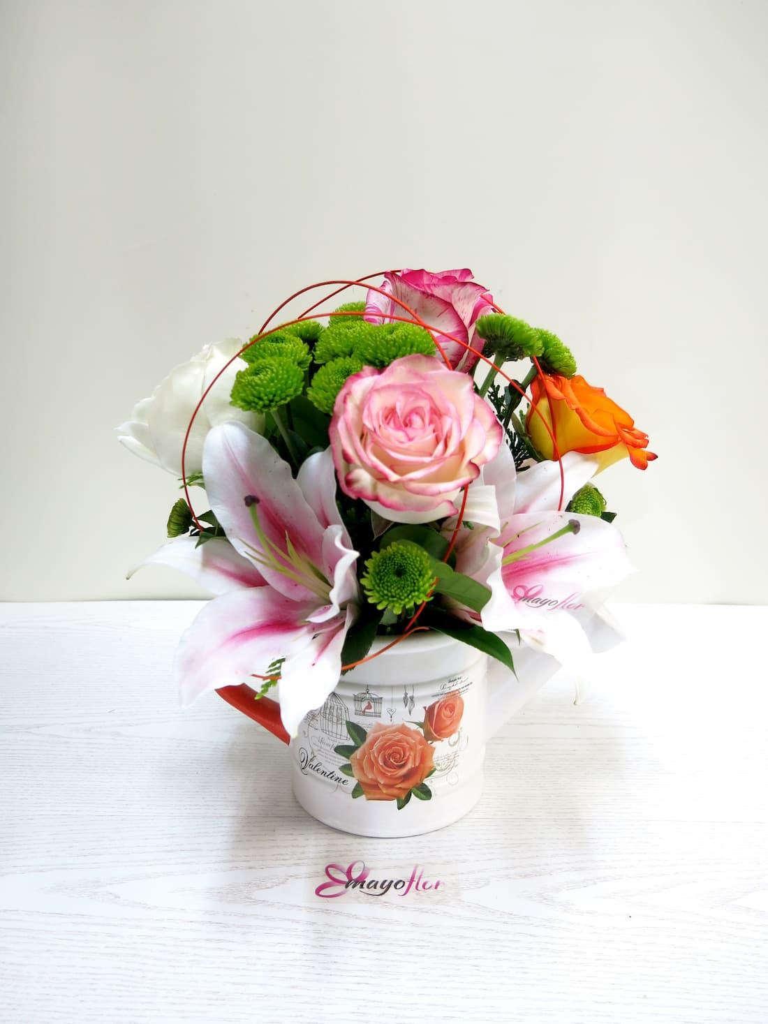 Flores variadas y Rosas en Regadera - Foto 2