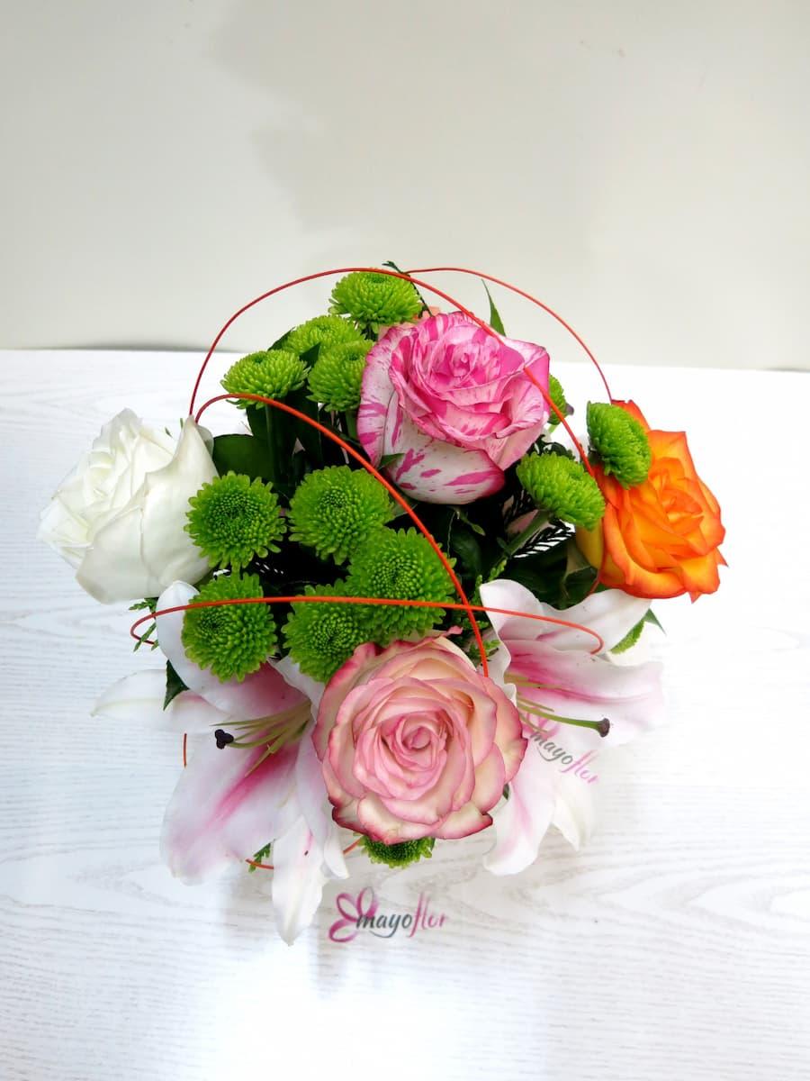 Flores variadas y Rosas en Regadera - Foto 3