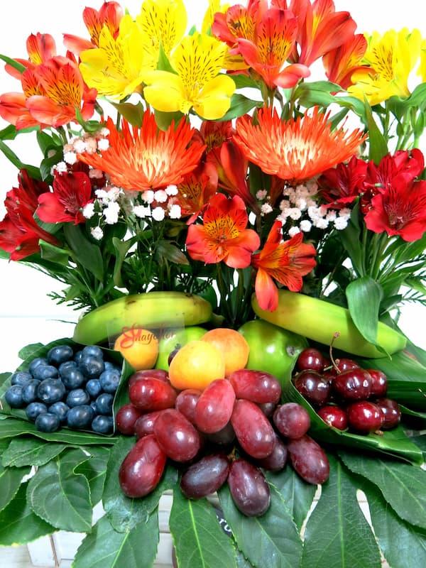 Frutas con Anatasias y Alstromerias - Foto 3
