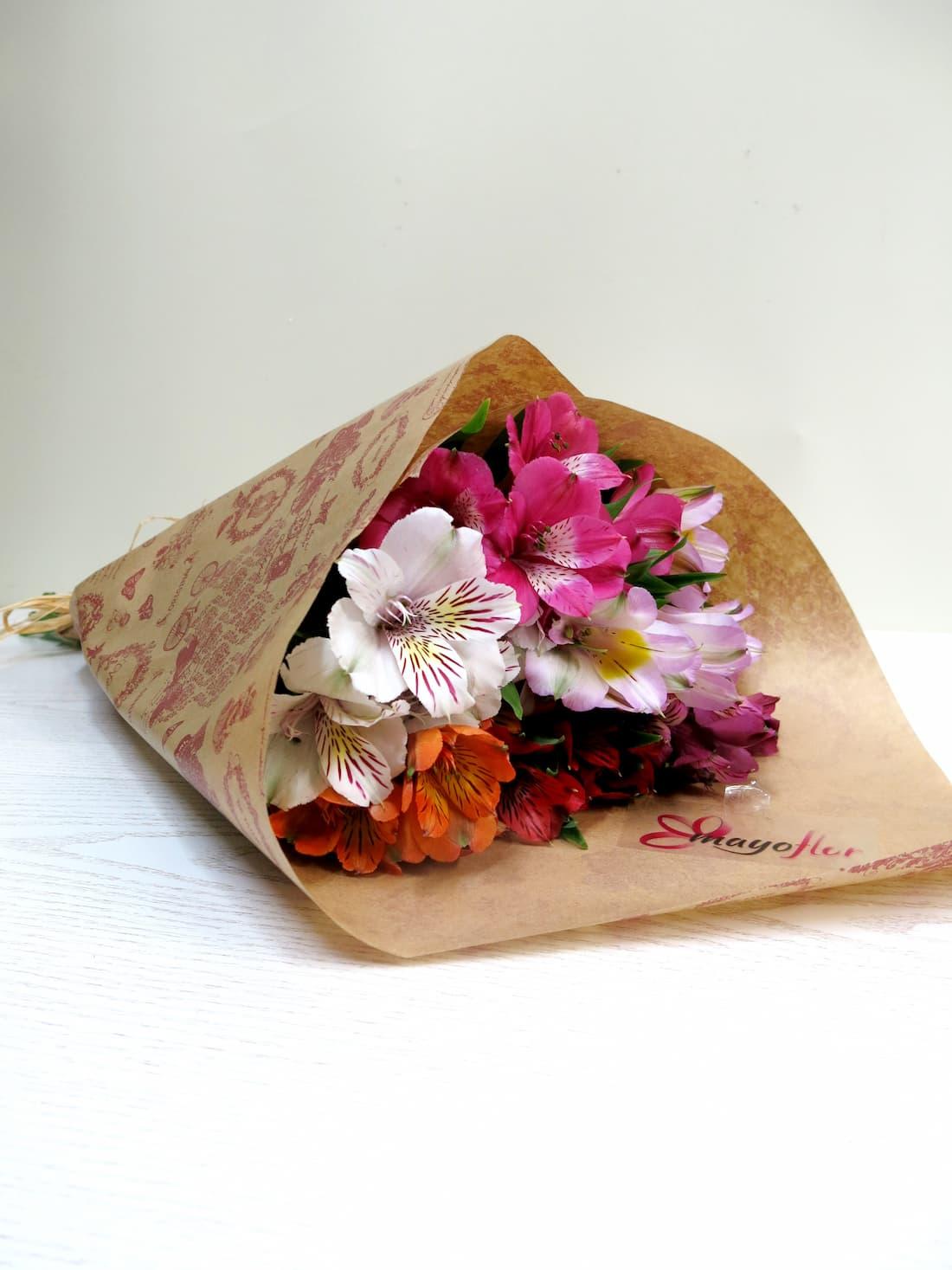 Alstroemerias variada 6 tallos Oferta especial de flores - Foto 2