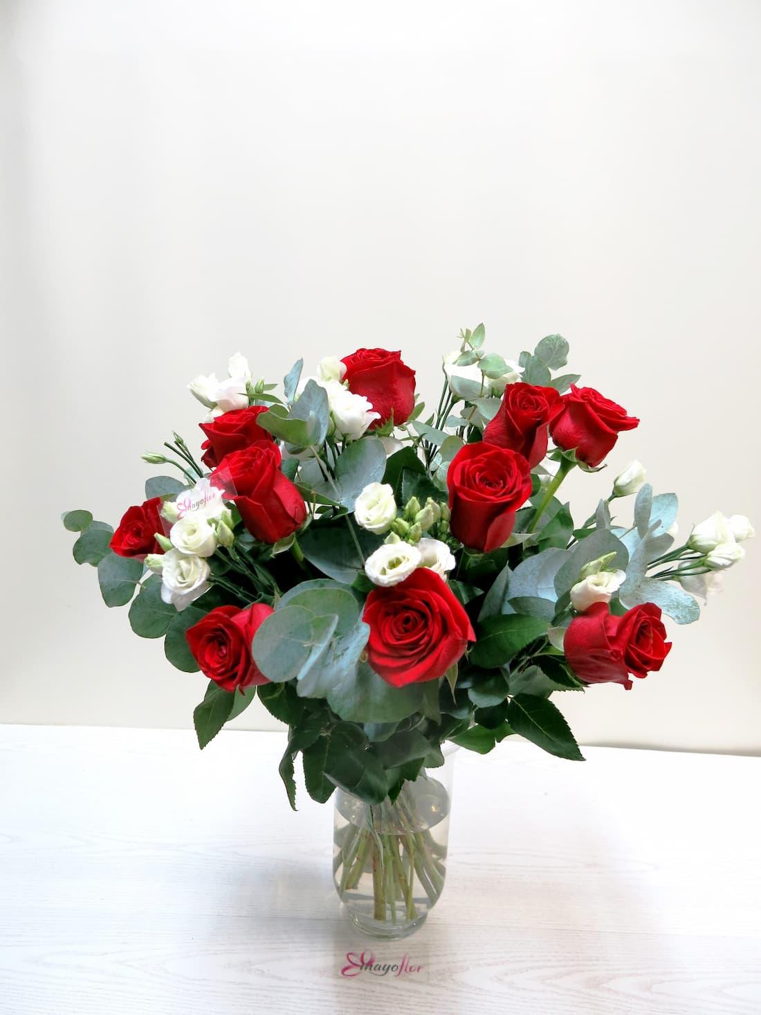 Buena combinación Rosas y Lisianthus - Foto principal