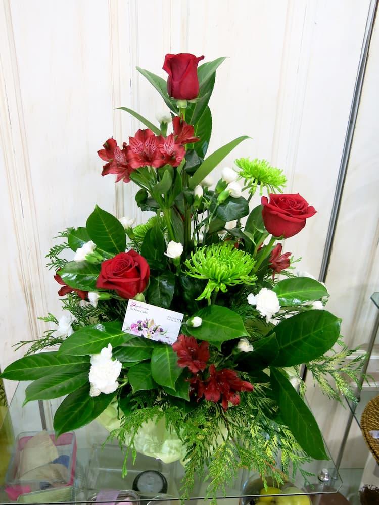 Rosas y Alstroemerias en centro - Foto principal