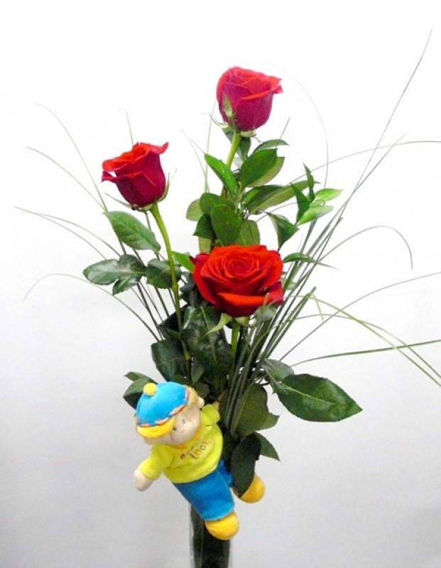 3 Rosas Rojas con Peluche de color rojas