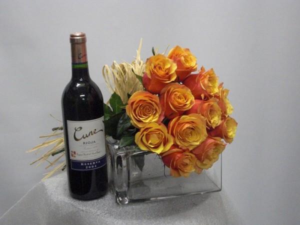 Vino y Rosas de color naranjas