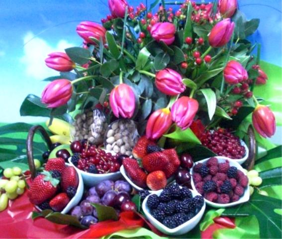 Cesta de Frutas y Tulipanes - Foto 2