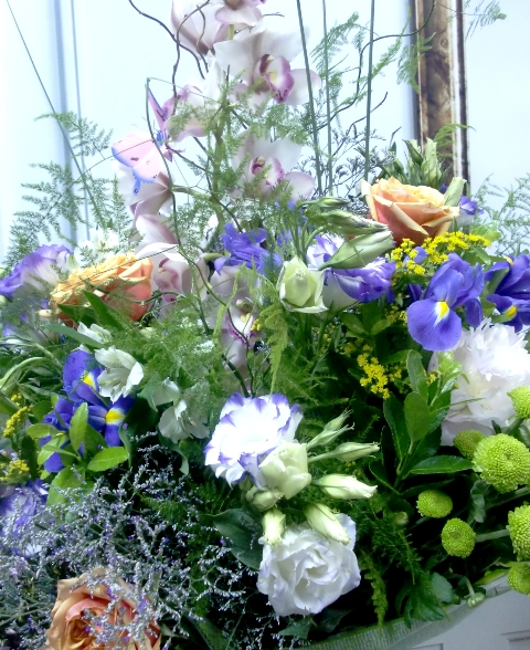Espectacular jarrón de flores variadas - Foto 2