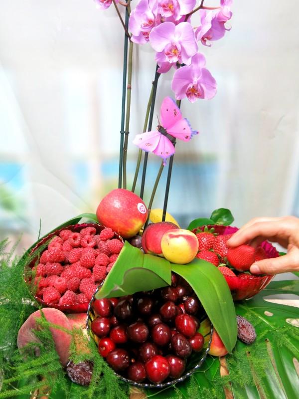 Original Cesta de Frutos rojos con Orquidea - Foto 3