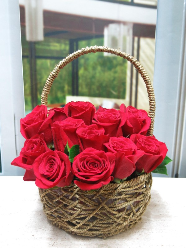 Basket of Roses Valentine - Foto 5