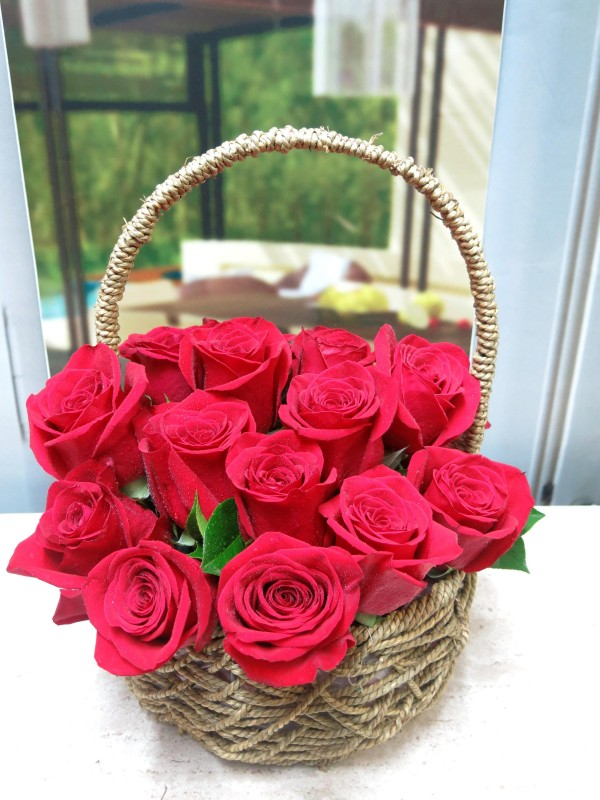 Basket of Roses Valentine - Foto 2