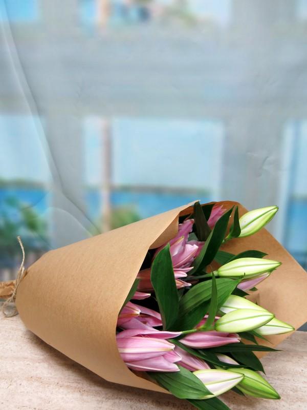 Lilium Oriental 5 tallos. - Foto principal