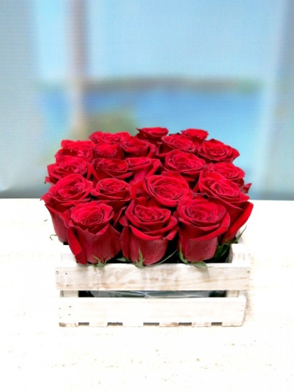 20 rosas en caja de madera - Foto 4