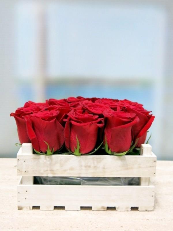 20 rosas en caja de madera - Foto 2