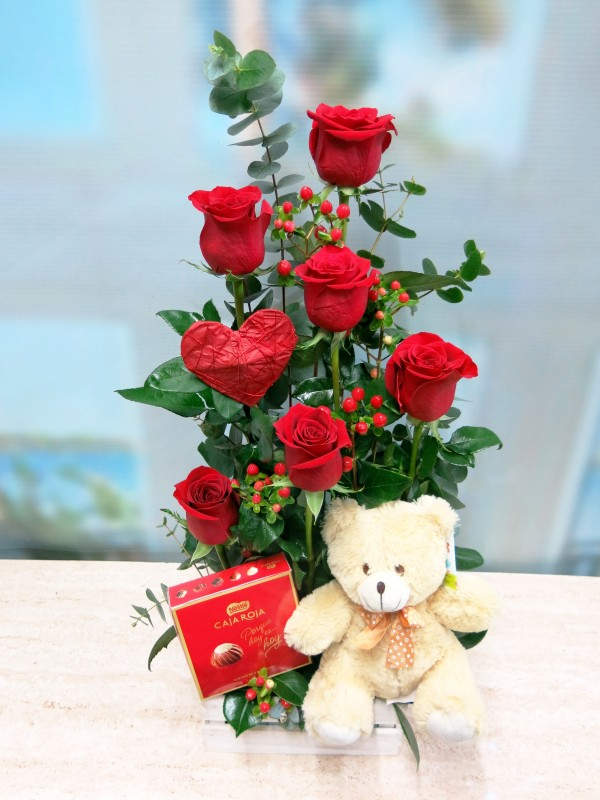 Roses with Teddy and Chocolates - Foto 3