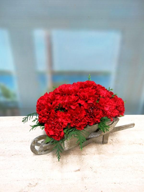 Carretilla de claveles centro de flores naturales - Foto 2