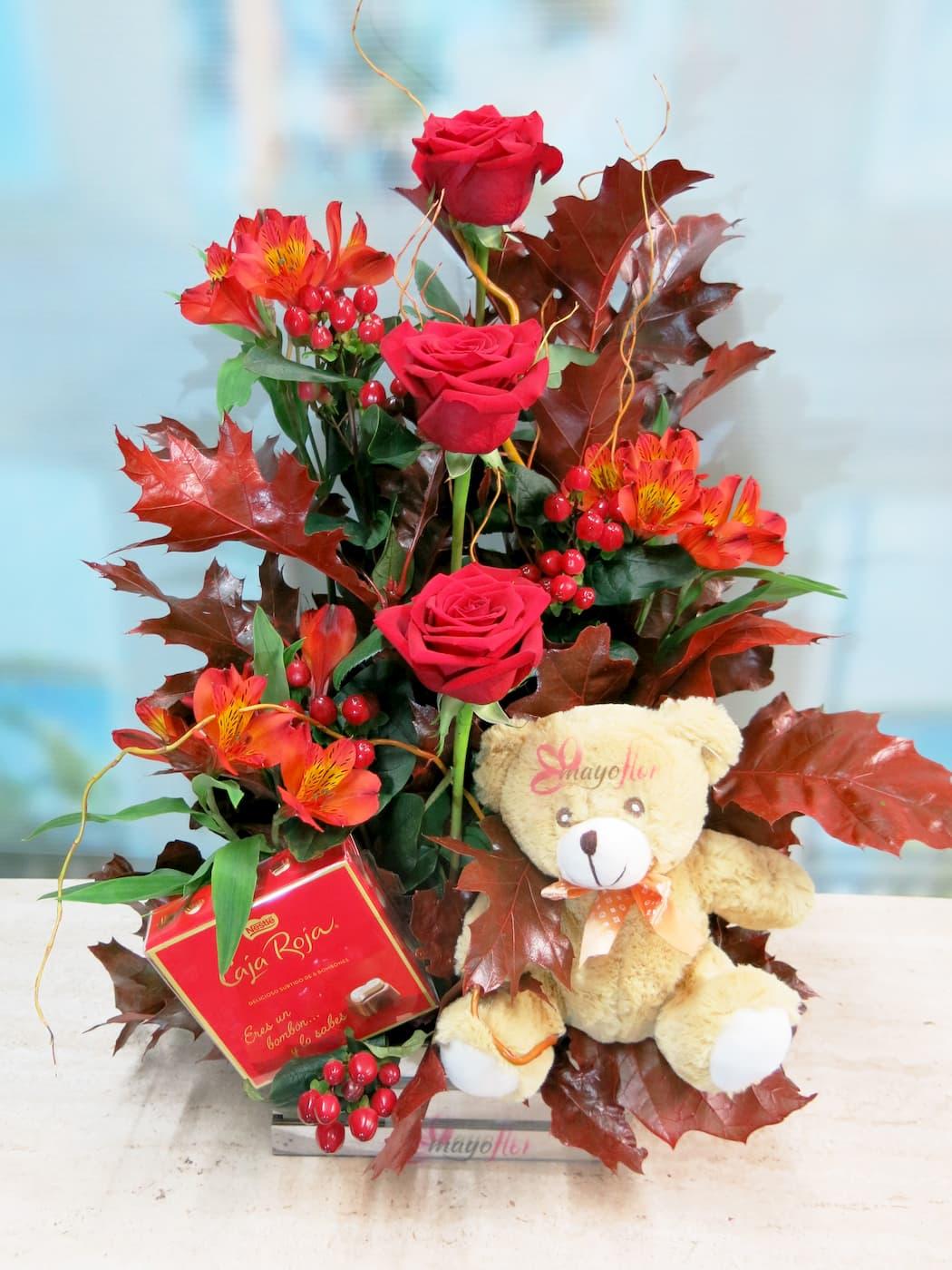 centro de rosas otoñal con rosas, peluche y bombones - Foto 3