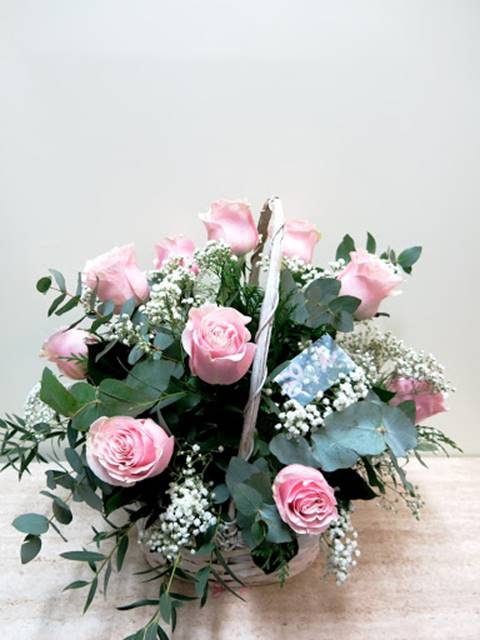 Basket of Roses with all your Love for the most important person - Foto 3