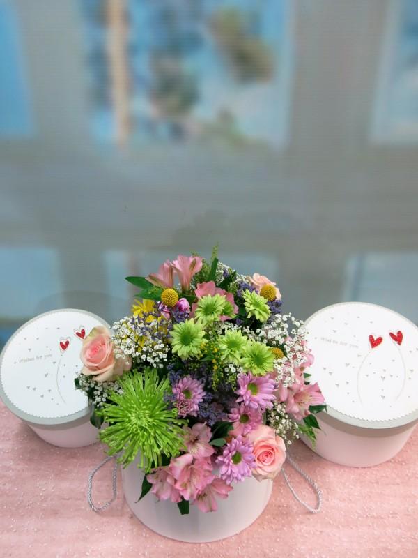 Flor variada en caja con tapa - Foto 3