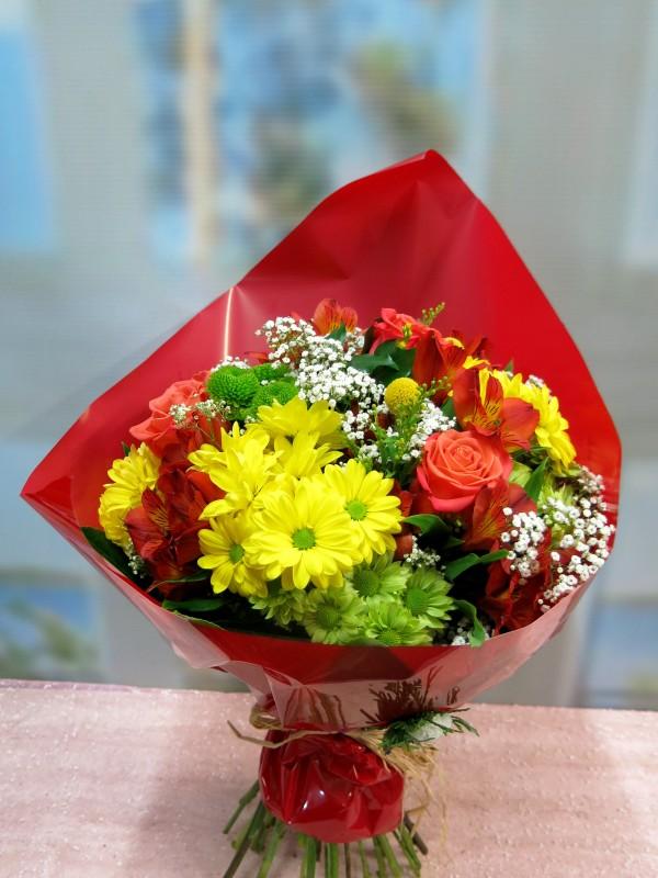 Ramo de flor variada de primavera - Foto 3