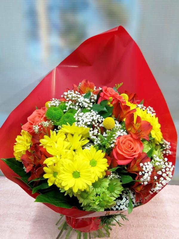 Ramo de flor variada de primavera - Foto principal
