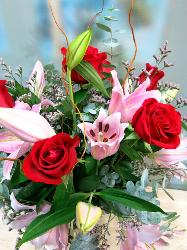 Bouquet of Lilium Rose and Red Roses - Foto 3