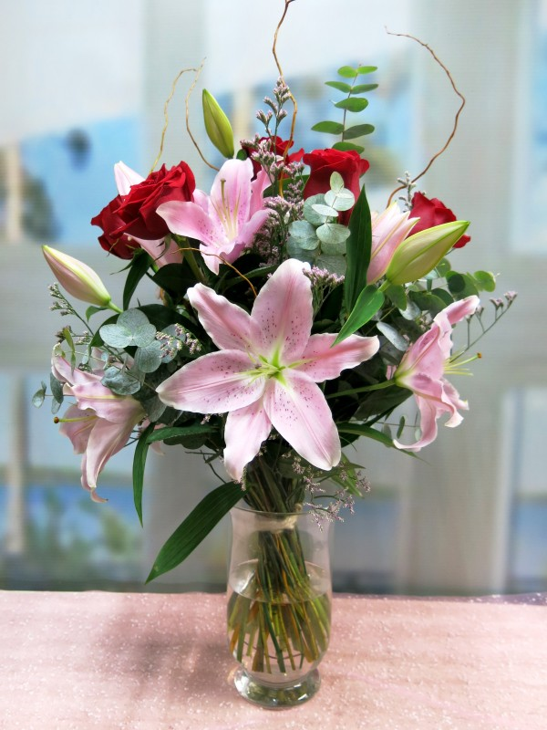 Bouquet of Lilium Rose and Red Roses - Foto principal